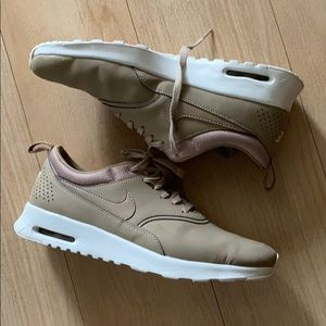 Women's Nike Tan Sneakers sz9
